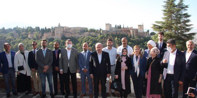 Visita de Mustafa Sentop, presidente de la Gran Asamblea Nacional Turca, a la Mezquita
